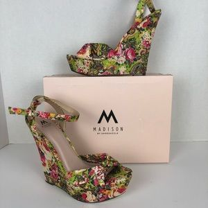 Madison by Shoedazzle Floral Wedge shoe. Size 10
